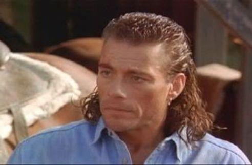 Jean-Claude-Van-damme-top-10-coupe-cheveux-ratées-pires-ouiglam-trouver-bon-coiffeur-réserverceline-dion-coupe-ratée-ouiglam-trouver-bon-coiffeur-réserver