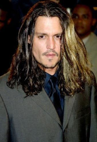Johnny-Deep-top-10-coupe-cheveux-ratées-pires-ouiglam-trouver-bon-coiffeur-réserver.jpg